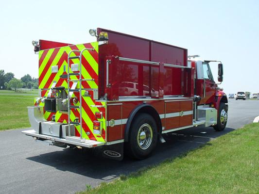 Fire Truck - 2011 Pierce International Dry Side Tanker - passenger rear