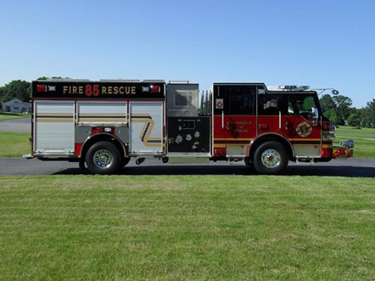 2011 Pierce Velocity Rescue Pumper - Fire Engine - passenger side