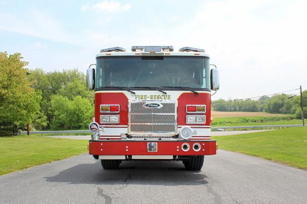 2014 Pierce Saber FR pumper - traditional fire engine - front
