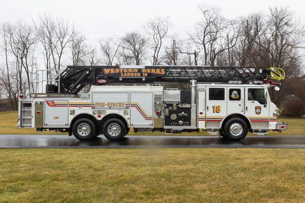 2016 Pierce Velocity Aerial Ladder - Ladder Fire Truck - passenger side