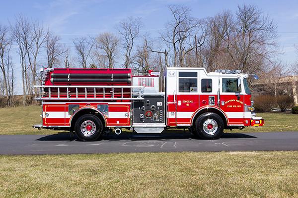 2016 Pierce Arrow XT pumper - fire engine - passenger side