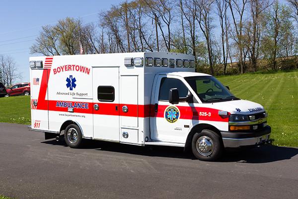 2016 Braun Chief XL type III ambulance - Chevy G4500 - passenger front