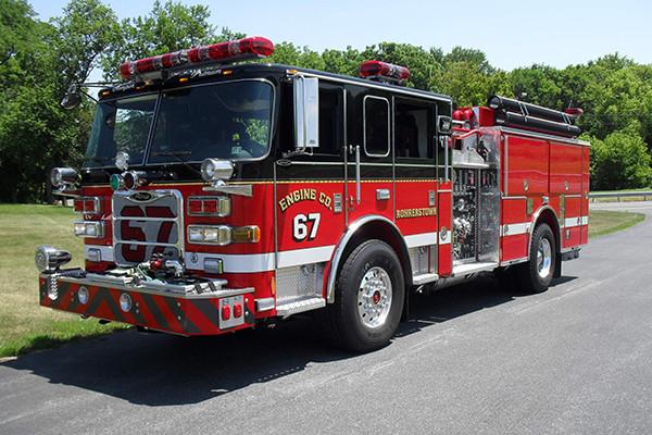 24348 Pierce Arrow XT pumper - Rohrerstown FC - driver front