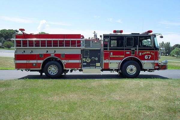 24348 Pierce Arrow XT pumper - Rohrerstown FC - passenger side