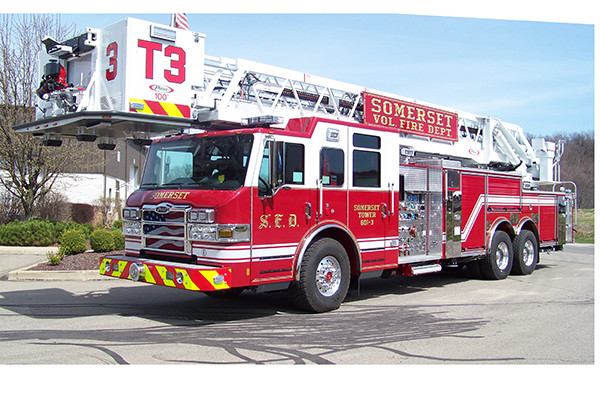 29146 Pierce Velocity 100' aerial platform - fire truck - driver front