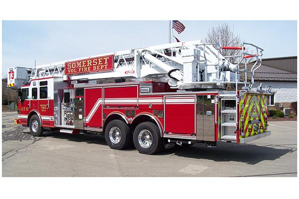 29146 Pierce Velocity 100' aerial platform - fire truck - driver rear