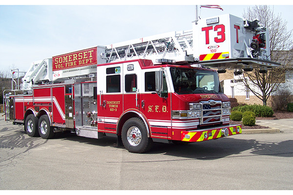 29146 Pierce Velocity 100' aerial platform - fire truck - passenger side