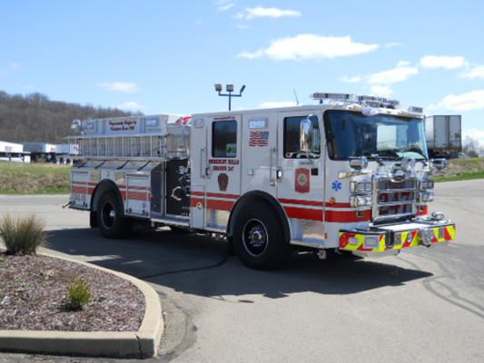 29322 Pierce Enforcer custom pumper - fire engine - passenger front