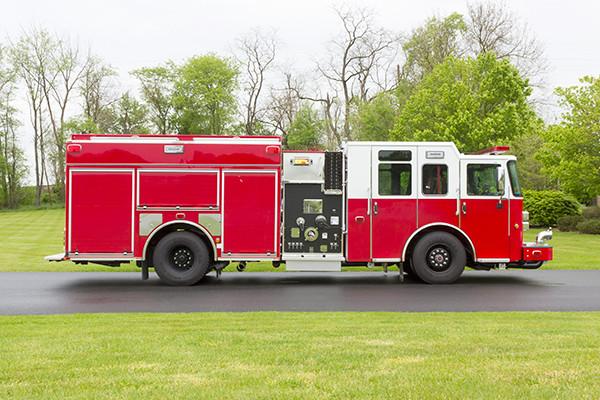 Pierce Saber FR pumper - fire engine - passenger side