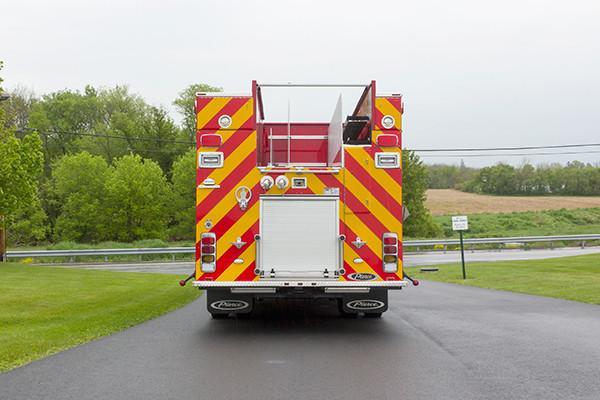 Pierce Saber FR pumper - fire engine - rear