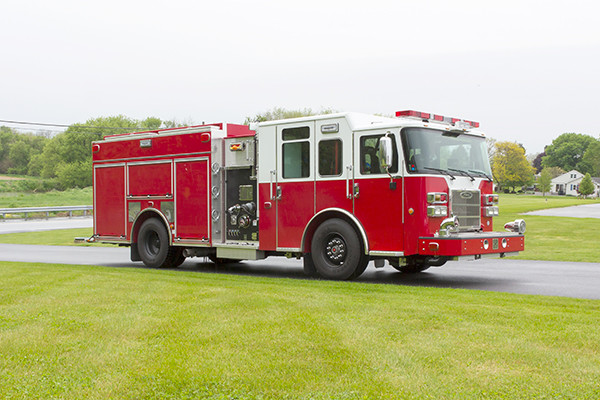 Pierce Saber FR pumper - fire engine - passenger front
