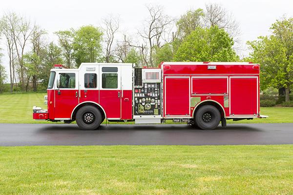 Pierce Saber FR pumper - fire engine - driver side