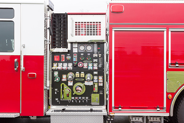 Pierce Saber FR pumper - fire engine - pump panel