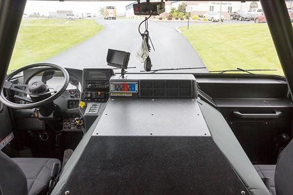 Pierce Saber FR pumper - fire engine - chief and officer seats