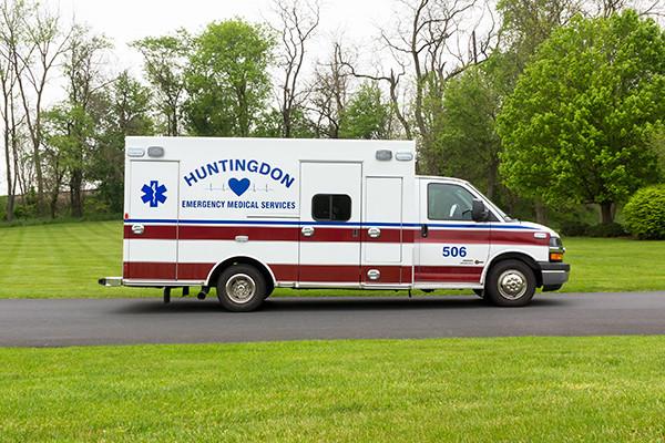 Braun Chief XL Type III ambulance - Huntingdon Ambulance Authority - passenger side