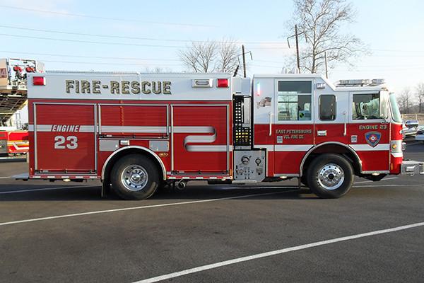 2010 Pierce Contender - PUC pumper fire engine - passenger side