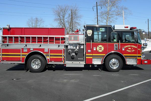2010 Pierce Arrow XT - pumper fire engine - passenger side