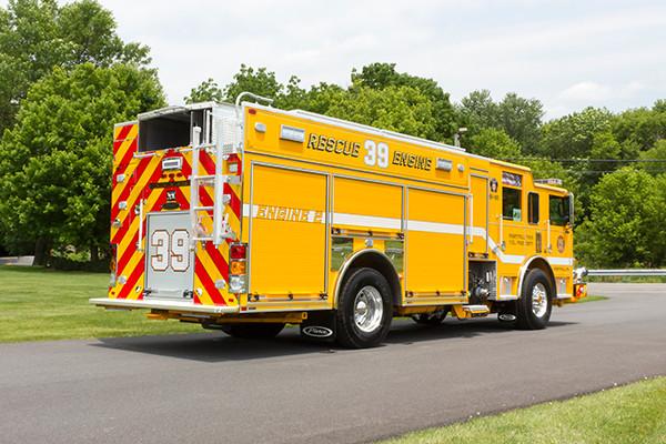 2016 Pierce Arrow XT PUC pumper - rescue engine - passenger rear