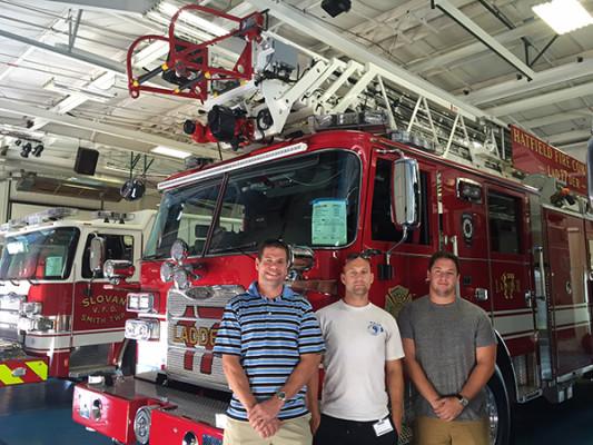2016 Pierce Arrow XT - 105' heavy duty aerial ladder fire truck - blue floor