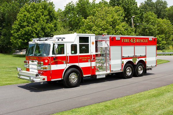 2016 Pierce Arrow XT - tanker pumper fire engine - driver front