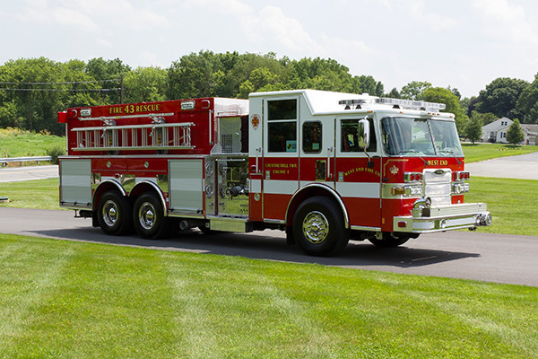 2016 Pierce Arrow XT - tanker pumper fire engine - passenger front