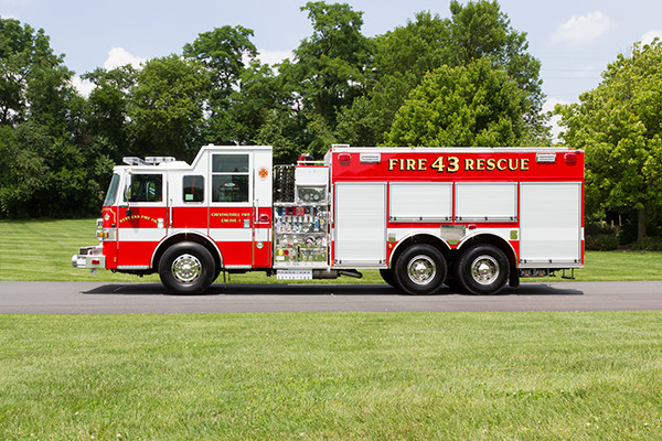 2016 Pierce Arrow XT - tanker pumper fire engine - driver side