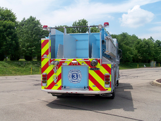 2016 Pierce Enforcer - fire engine pumper - rear