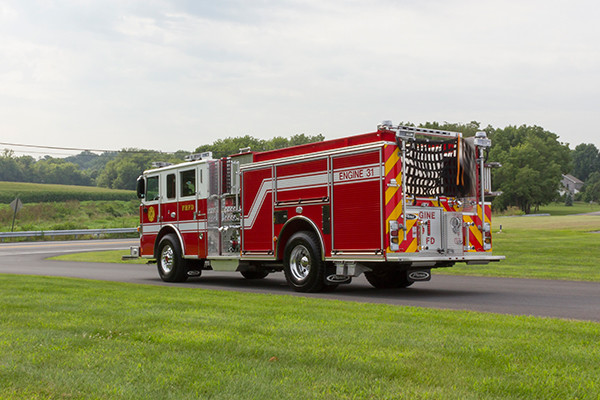 2016 Pierce Arrow XT - fire engine pumper - driver rear