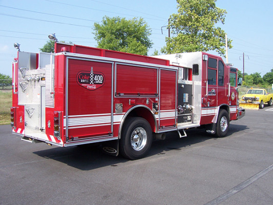 2009 Pierce Quantum - pumper fire engine - passenger rear