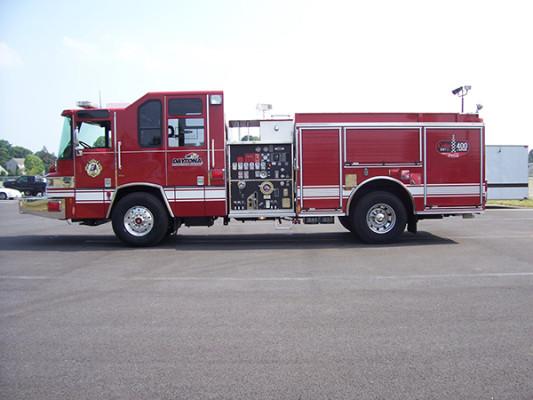 2009 Pierce Quantum - pumper fire engine - driver side