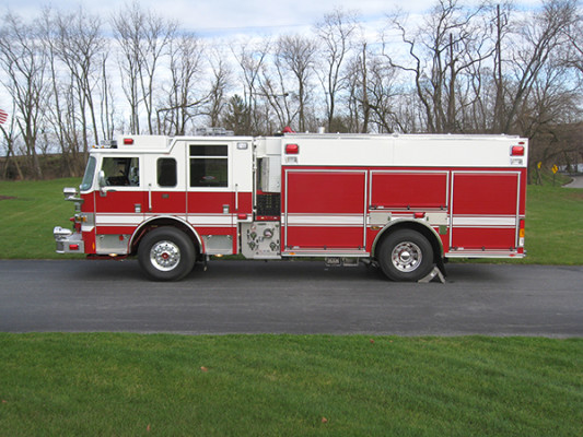 2009 Pierce Arrow XT - PUC rescue pumper fire engine - driver side