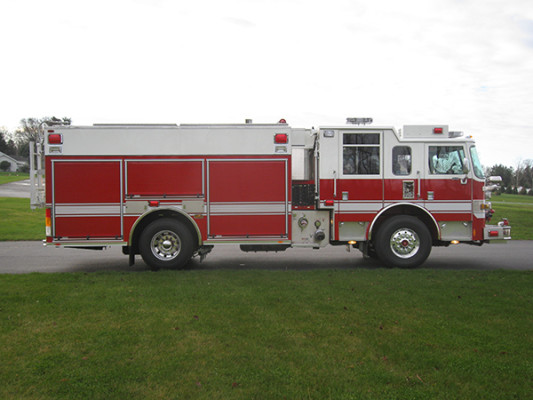 2009 Pierce Arrow XT - PUC rescue pumper fire engine - passenger side