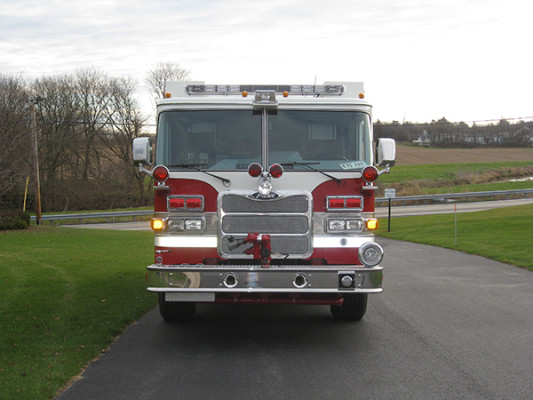 2009 Pierce Arrow XT - PUC rescue pumper fire engine - front