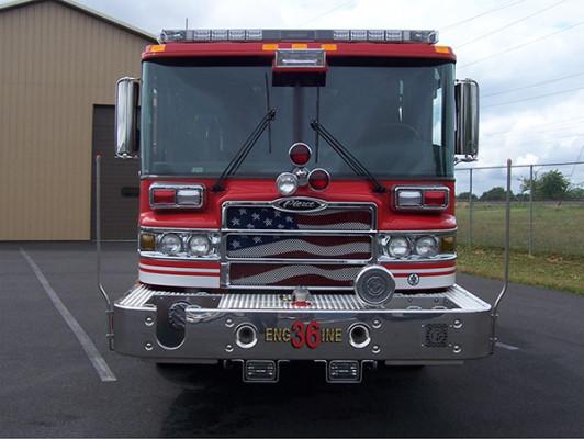 2009 Pierce Quantum - PUC rescue pumper - fire engine - front
