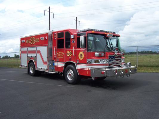 2009 Pierce Quantum - PUC rescue pumper - fire engine - passenger front