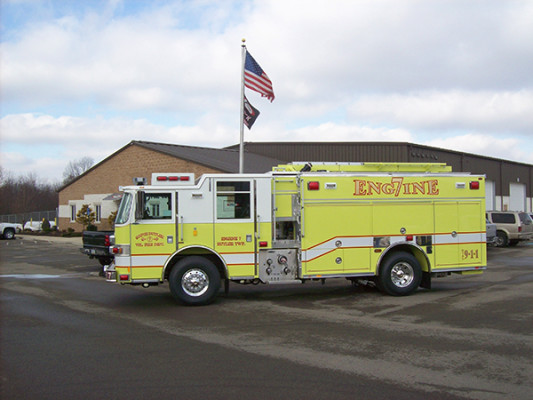 2009 Pierce Arrow XT PUC rescue pumper - fire engine - driver side