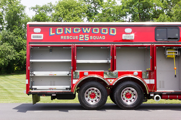 new 2016 Pierce Arrow XT walk-in heavy rescue - fire rescue truck - passenger compartments
