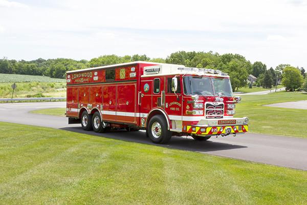 new 2016 Pierce Arrow XT walk-in heavy rescue - fire rescue truck - passenger front