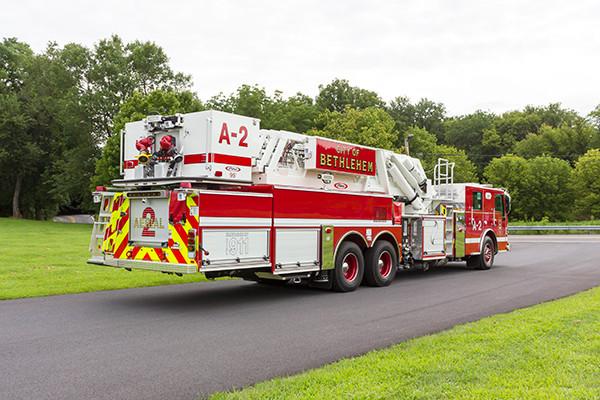2016 Pierce Velocity mid-mount - 95' aerial platform fire truck - passenger rear