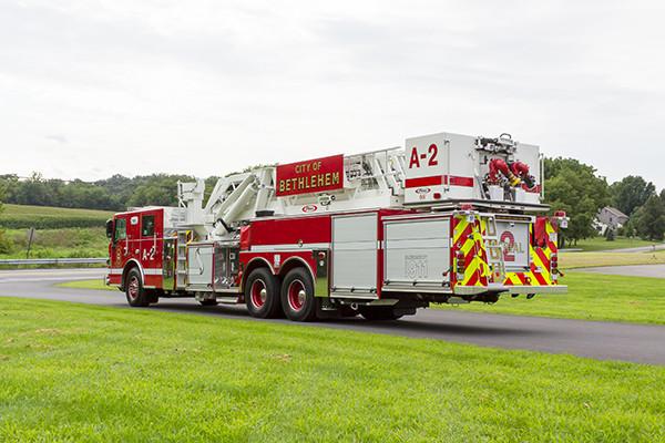 2016 Pierce Velocity mid-mount - 95' aerial platform fire truck - driver rear