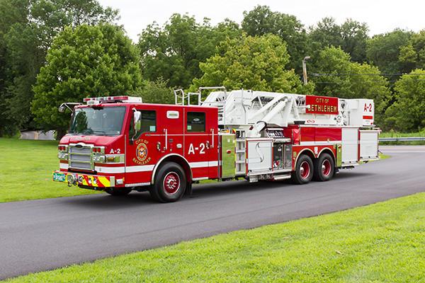 2016 Pierce Velocity mid-mount - 95' aerial platform fire truck - driver front