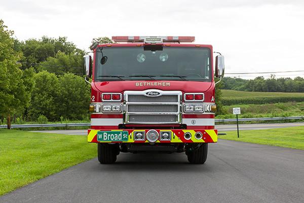 2016 Pierce Velocity mid-mount - 95' aerial platform fire truck - front
