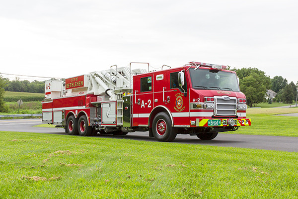 2016 Pierce Velocity mid-mount - 95' aerial platform fire truck - passenger front