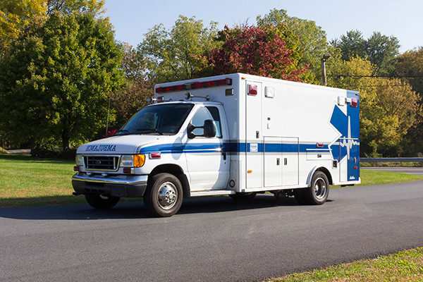 used ambulance for sale - 2007 PL Custom Type III ambulance - driver front