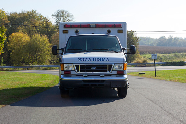 used ambulance for sale - 2007 PL Custom Type III ambulance - front