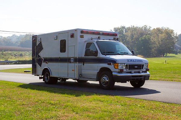 used ambulance for sale - 2007 PL Custom Type III ambulance - passenger front