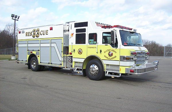 2009 Pierce Velocity - custom pumper fire engine - passenger front