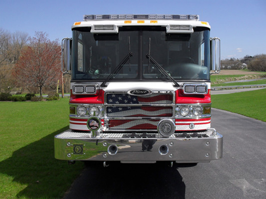 2010 Pierce Quantum PUC pumper - custom fire engine - front