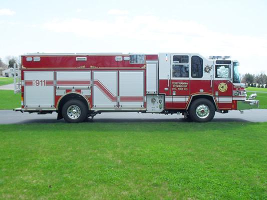 2010 Pierce Quantum PUC pumper - custom fire engine - passenger side