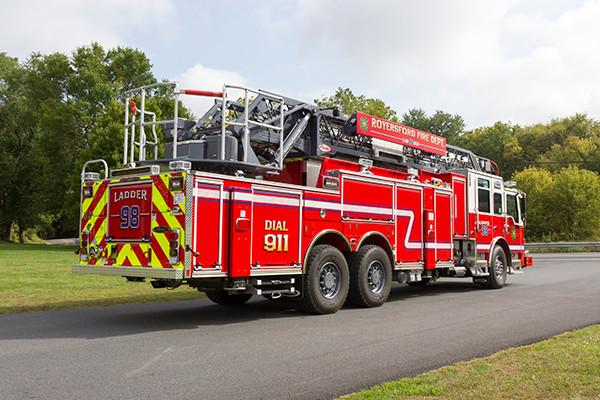 new 105' aerial ladder fire truck - 2016 Pierce Velocity PUC - passenger rear